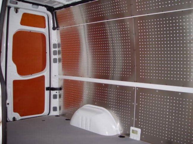 Aluminium wanden in bedrijfswagen